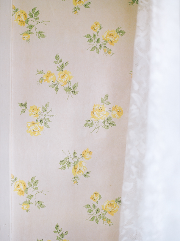 vintage wall paper yellow roses farmhouse
